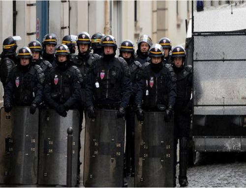 Les forces de l'ordre empêchent l'accès à la manifestation / 10 décembre